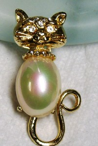 Vintage Rhinestone Jelly Belly Lucite KITTY CAT Brooch