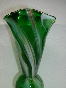 Small Vintage Hand Blown Murano/Venetian Art Glass Vase ... Vintage Ruffled Edge Glass Vases For Sale