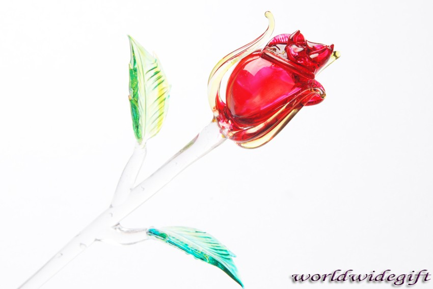 有关以下物品的详细资料: blown glass art rose crystal flower love