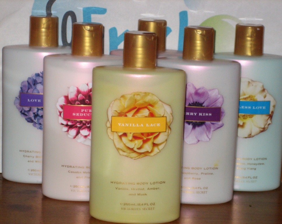 victoria 39 s secret body lotion you choose the scent new. Black Bedroom Furniture Sets. Home Design Ideas