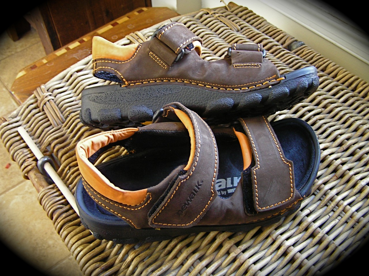 Newalk Flip Flops http://www.ebay.ca/itm/Birkenstock-TATAMI-NEWALK-OTTAWA-SANDALS-brown-or-black-/370489812812