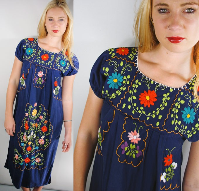 Vintage-70-039-s-Hippie-BOHO-Ethnic-MEXICAN-Embroidered-MAXI-KAFTAN-Dress-Navy-m