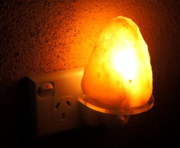 HIMALAYAN ROCK SALT CRYSTAL NIGHT LAMP LIGHT ROCK BABY Great 4 kids room eBay