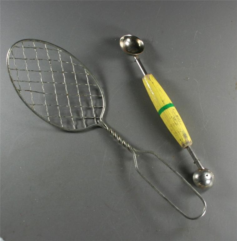 vintage, melon baller, twisted wire handle, utensil, lifter, kitchenware