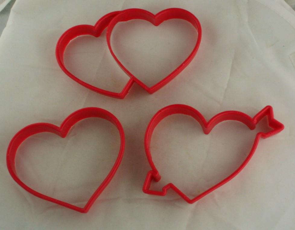 cookie cutter, plastic, hearts,kitchenware
