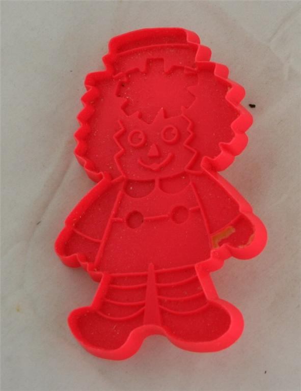 cookie cutter, plastic, Raggedy Andy