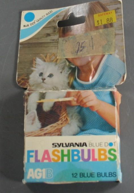 vintage flashbulbs, AG1B, Sylvania Blue Dot