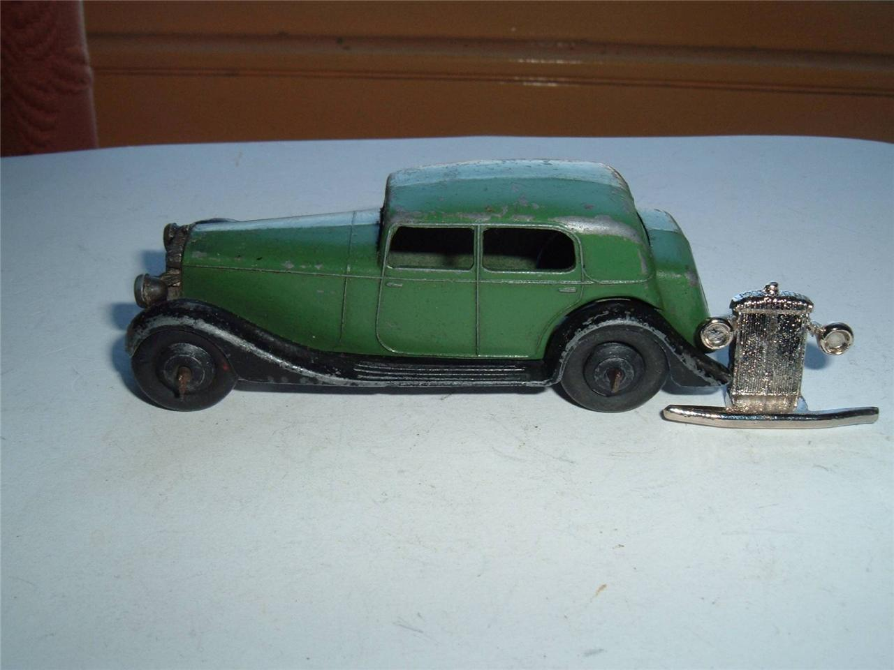 Dinky 30c Daimler New Grille D'occasion État Vintage Scroll Down 4 The Photos