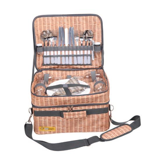 NEW-OZtrail-Wicker-PICNIC-BASKET-SET-for-FOUR-Camping-BEACH-Caravan-TRAVEL