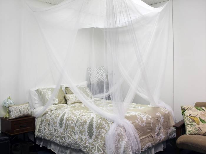 White Four Corner Canopy Bed Netting Mosquito Net Full Queen King ...