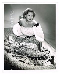 POPULAR MUSIC BIG BAND SINGER MARGARET WHITING PORTRAIT STILL 1940s