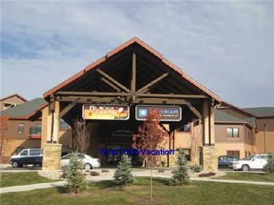 Aug 27 29 2 Bed Dlx Wyndham Glacier Canyon Wisconsin Dells Waterparks 2 Nights Ebay