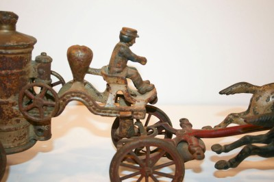 Antique Cast Iron Fire Wagon Truck Pump 2 Horses Gen Vintage Toy