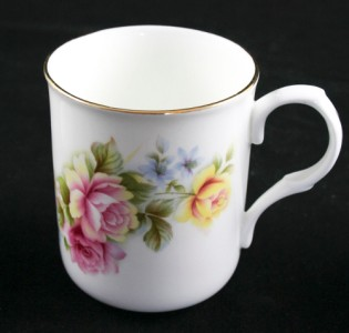 Sadler China Made in England http://www.ebay.com/itm/Lot-of-3-Sadler-Wellington-Fine-Bone-China-Tea-Coffee-Cups-Made-In-England-C47-/230735033898
