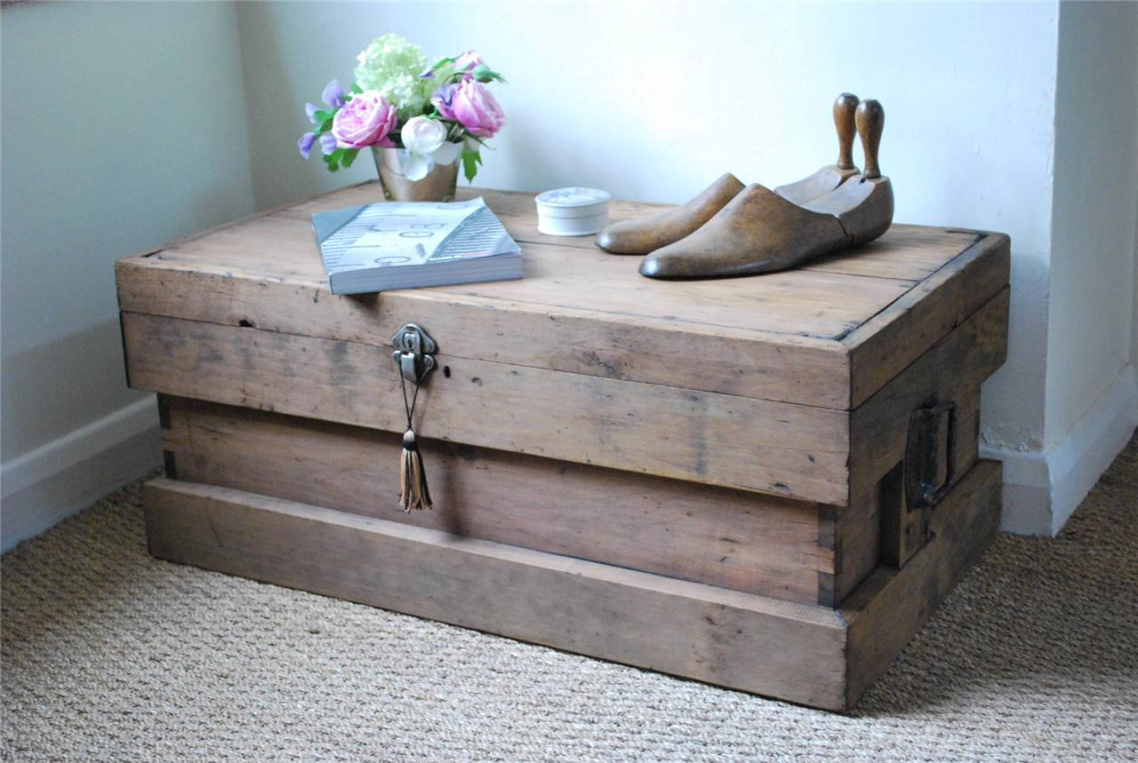 Vintage Rustic Pine Box Chest Trunk Coffee Table Ebay
