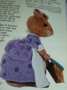 MUNCA mouse Alan Dart toy knitting pattern - Beatrix Potter | eBay