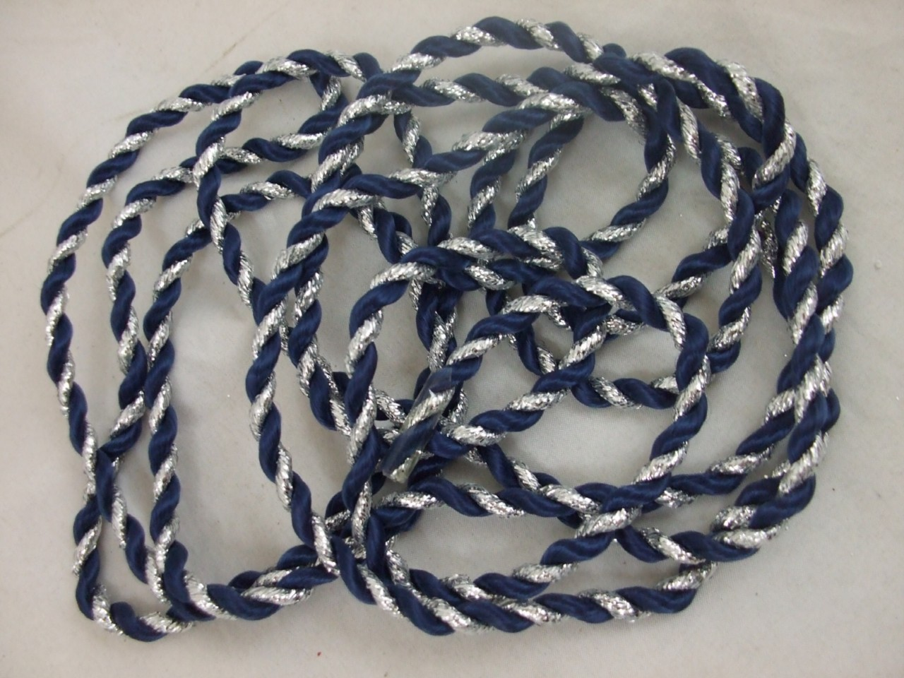 Christmas-Decoration-Colour-Twisted-Cord-NEW-XM6980