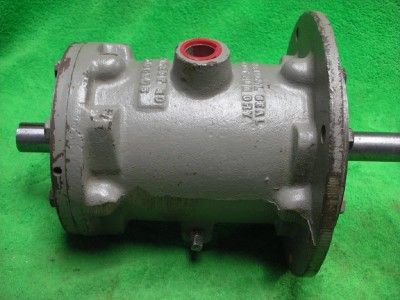 Motor pump lubricating bearing shaft coupler extension for Motor and pump coupling