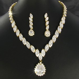 Designer Inspired 18ct Gold Plated Faux Diamond Necklace Earring