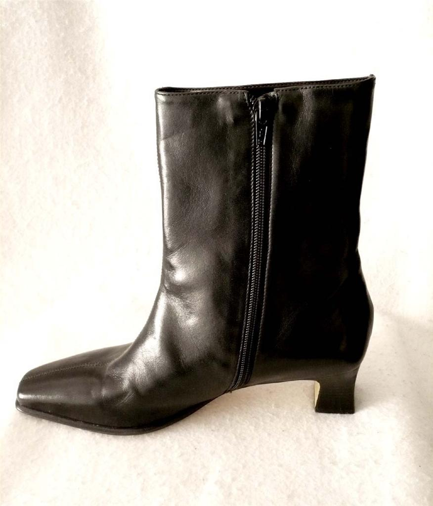 womens etienne aigner black leather ankle boots