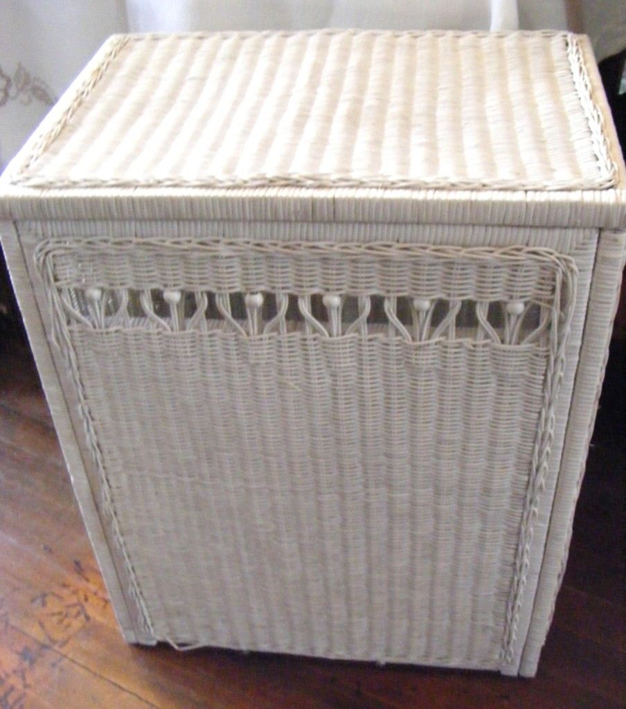 Vintage White Wicker Laundry Clothes Hamper Ebay: white wicker washing basket