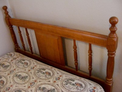 twin vintage maple light brown wood headboard bed frame box springs mattress ebay. Black Bedroom Furniture Sets. Home Design Ideas