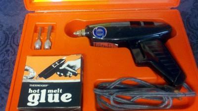 USM Thermogrip Heavy Duty Industrial Strength Electric Hot Melt Glue Gun Kit 209