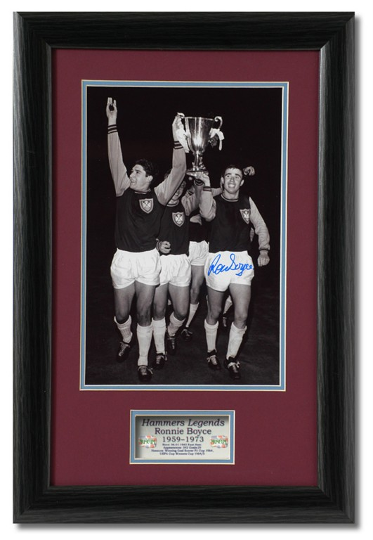Ronnie-Boyce-Hand-Signed-1965-Cup-20x13-West-Ham-United-AFTAL-photo-proof-COA