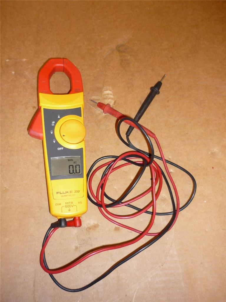 Fluke 333 Clamp Meter : Fluke clamp meter with leads
