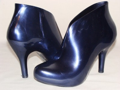 NEW Melissa Plastic Ashanti Ankle Boot 6 Blue $149 - eBay (item 120422686989 end time May-25-09 19:25:26 PDT)