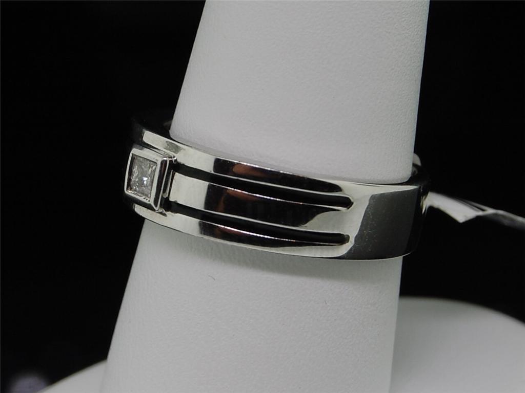 Mens White Gold Diamond Wedding Engagement Band Ring