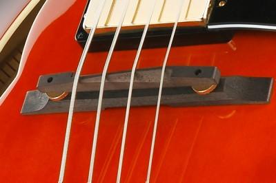 4-string Hollowbody Bass