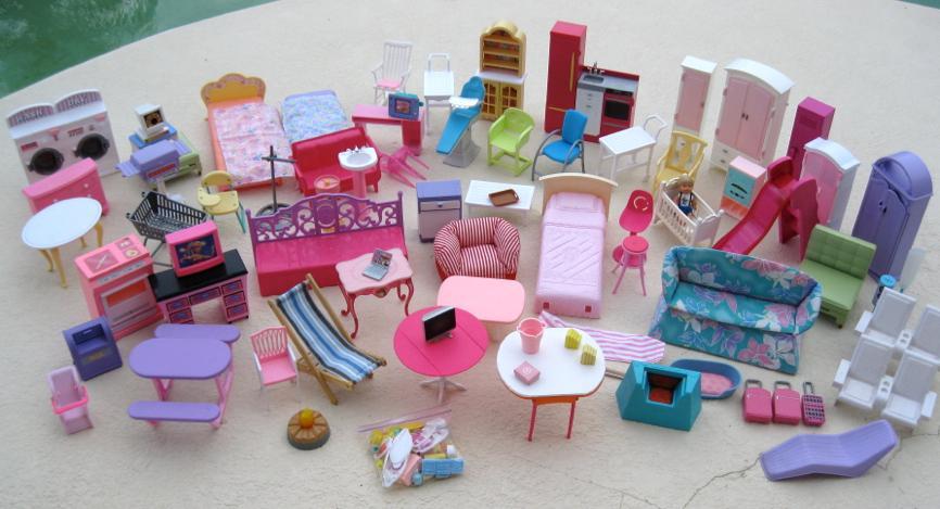 Huge 82 Piece Lot Of Barbie Dollhouse Furniture