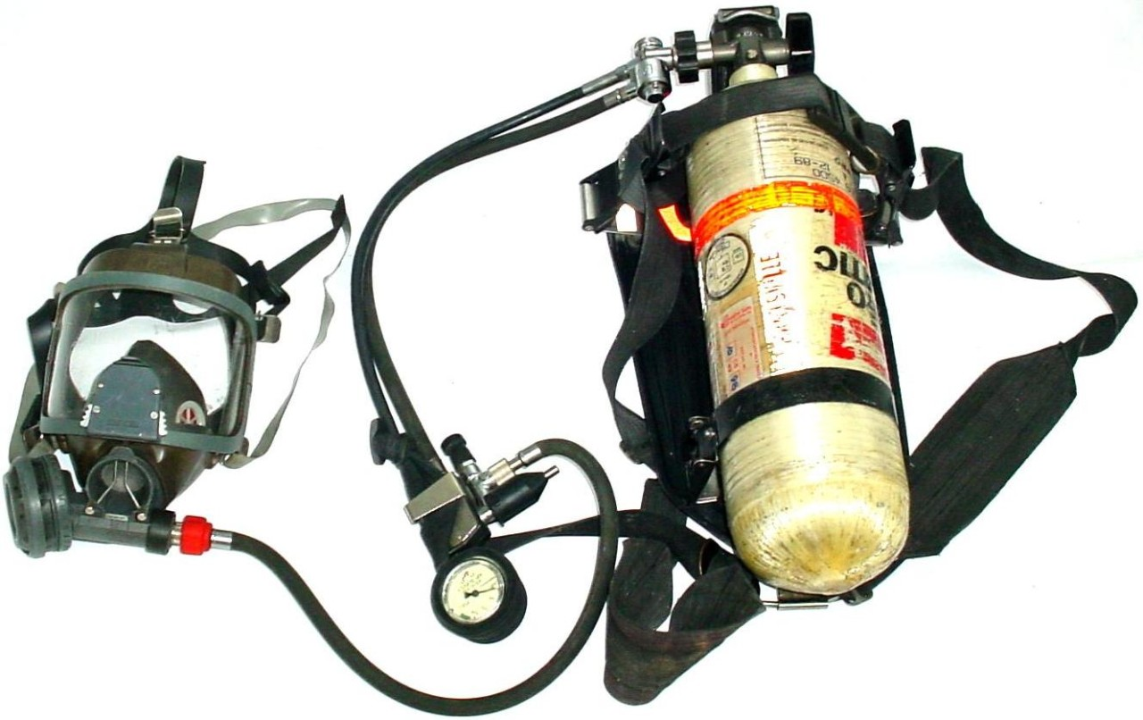 Interspiro 4500 PSI SCBA Air Pack, Mask, Harness and Cylinder Fireman