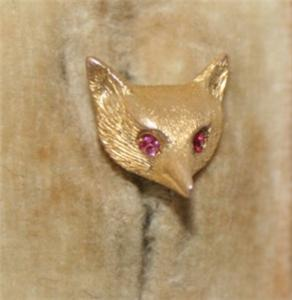VICTORIAN 15CT GOLD RUBY EYED FOX HEAD STICK PIN boxed