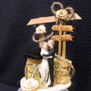 Country Western 034GITTIN HITCHED034 Wedding Cake topper