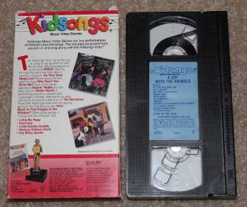 "Kidsongs 4 VHS ""A Day at The Circus"" ""A Day at Old MacDonald's Farm"