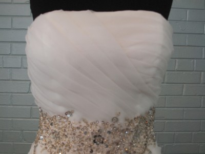 Wedding Gown Outlet on New Size 6 Vera Wang Remake Wedding Gown Dress Gorgeous A Line Style