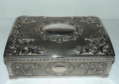 Godinger Silverplate Jewelry Box Embossed Victorian Roses Hinged Lid 9