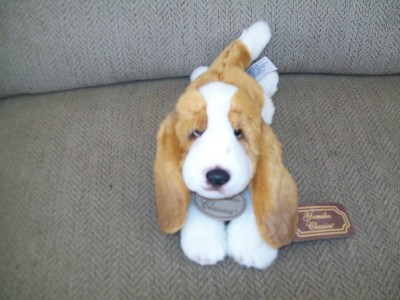 New with Tags Russ Yomiko Classics Basset Hound Plush Life Like Dog 12 Inches