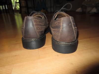 dockers mens dress shoe brown leather water and stain