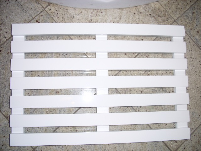 Wooden Slatted Duckboard Bathroom Mat Oval Or Rectangular
