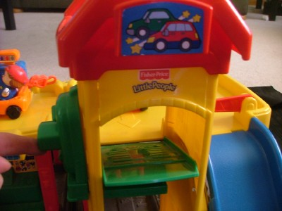 Fisher price little people ramps around parking garage - Fisher price little people racin ramps garage ...