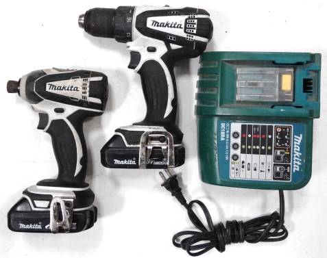 makita 18v drill driver lxfd01 impact driver lxdt04 set. Black Bedroom Furniture Sets. Home Design Ideas