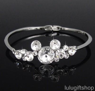 DISNEY-MICKEY-MOUSE-BANGLE-BRACELET-w-SWAROVSKI-CRYSTAL