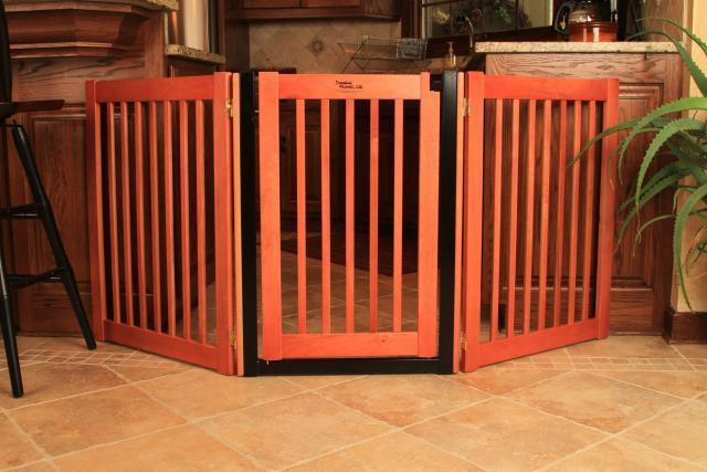 ... door DOG GATE expand to 5 ft wide fence zig zag indoor barrier - eBay
