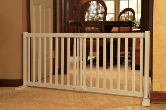 Fence gates indoor dog fences gates for Indoor gate design