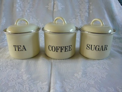 vintage cream enamel tea coffee sugar canisters jars pot. Black Bedroom Furniture Sets. Home Design Ideas