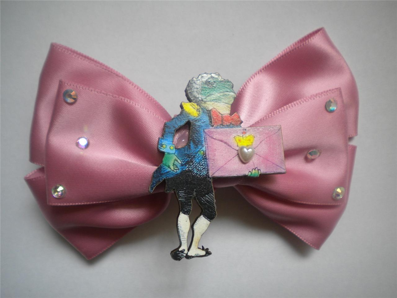 Dusty pink satin bow alice frog centerpiece with bling