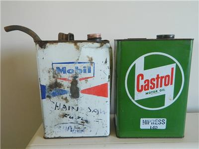 Auc7 2 Vintage Oil Can 1 Gallon Tins Mobil And Castrol